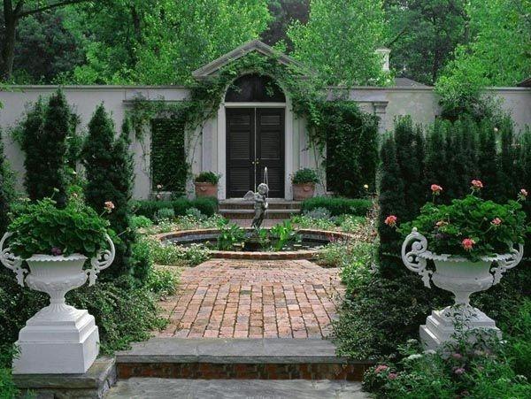 巧妙的利用水景,特别是善用流水来表现庭院的生机活力.图片